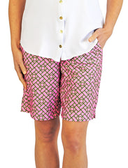 Pull-On Bermuda Shorts in Pink Chippendale