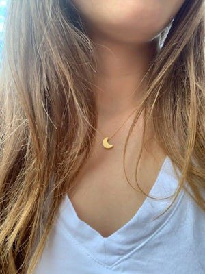 Dainty Magical Moon Necklace