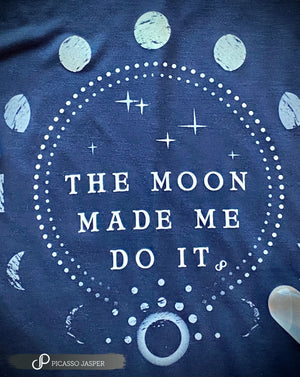 The Moon Made Me Do It, Navy Flowy, Tee