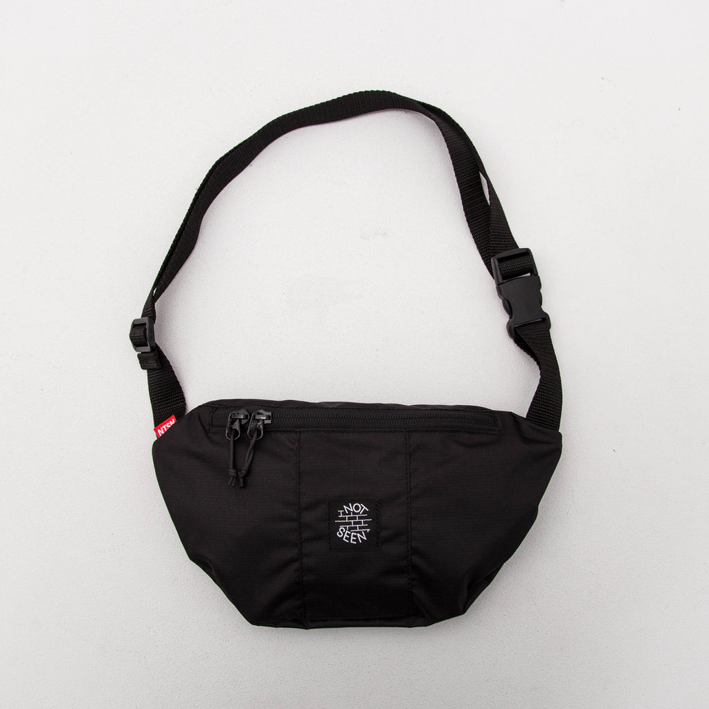 Not Seen Half Moon Bag - Black | AStore