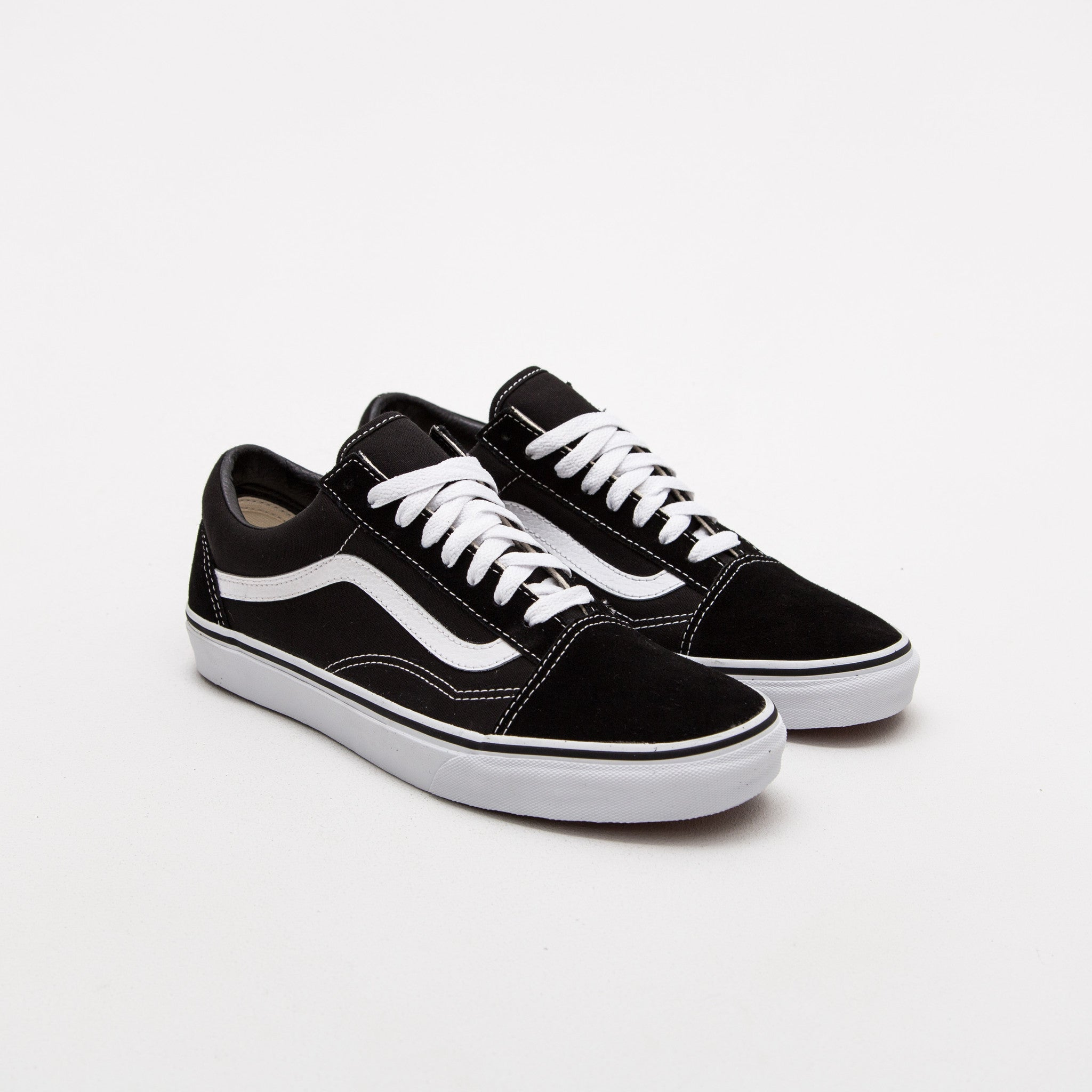Vans Old Skool Sneakers - Black / White | AStore