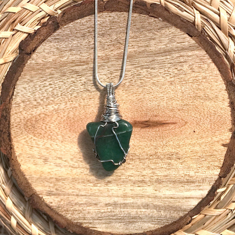 everything_soulful_green_aventurine_wrapped_pendant