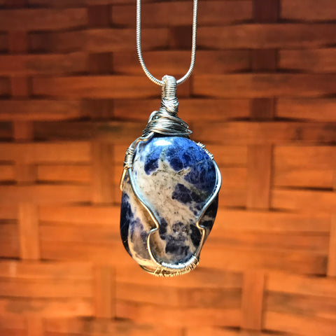 everything_soulful_sodalite_pendant
