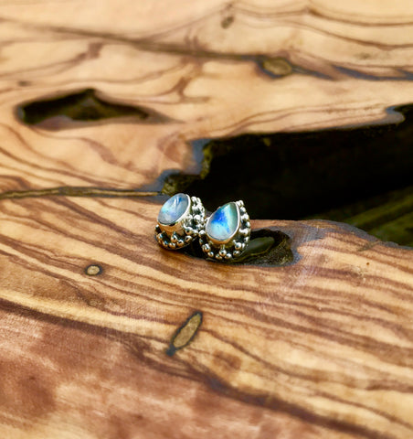 Everything_soulful_moonstone_studs