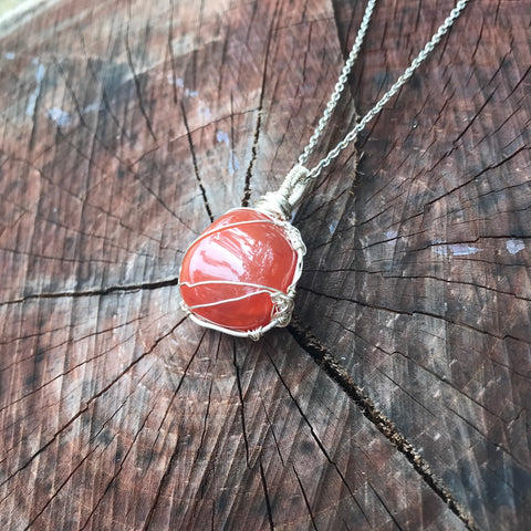 everything_soulful_carnelian_pendant
