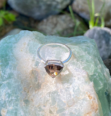 eveything_soulful_smokey_quartz_ring