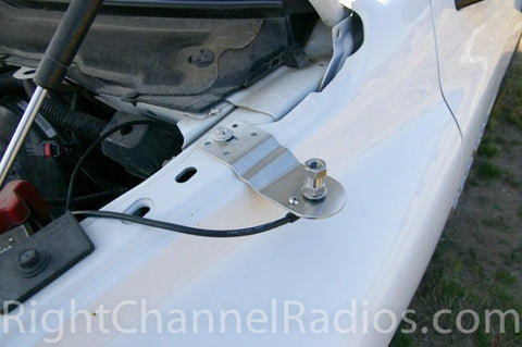Dodge 2004-2008 CB Mount Installed on Hood Rail