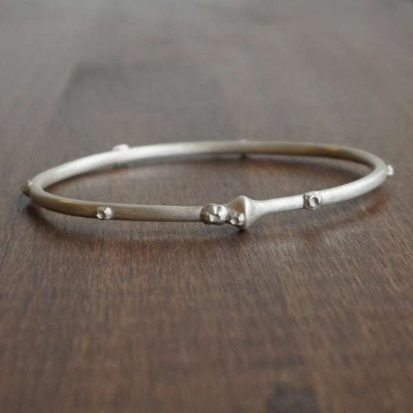 Hannah Blount Medium Silver Cable Bangle with Barnacles