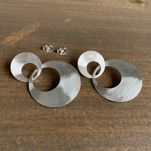 Heather Guidero Large Silver Interlocking Circle Earrings