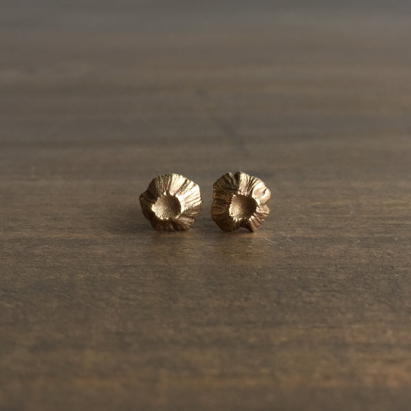Hannah Blount Little Gold Barnacle Studs