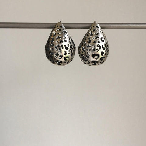 Rachel Atherley Small Antiqued Silver Leopard Basket Hoops