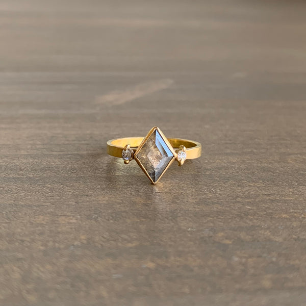 Katie Carder Juniper Ring with Grey Kite Diamond