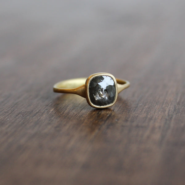 Lola Brooks 18k Gold and Carbon Grey Diamond Ring