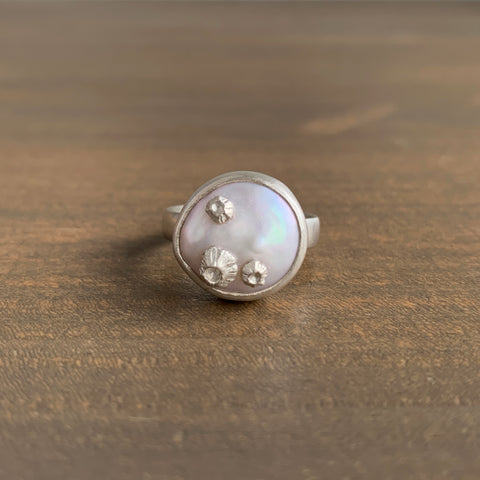 Hannah Blount Little Coin Pearl Ring with Barnacles
