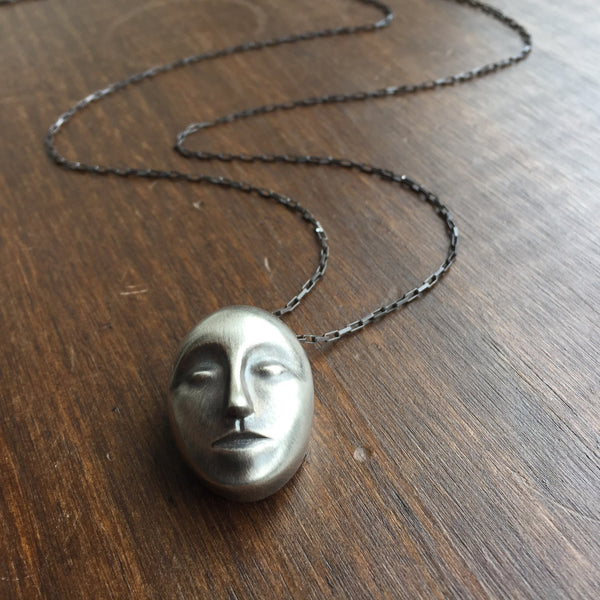 Hannah Blount Grand Grey Lady Necklace