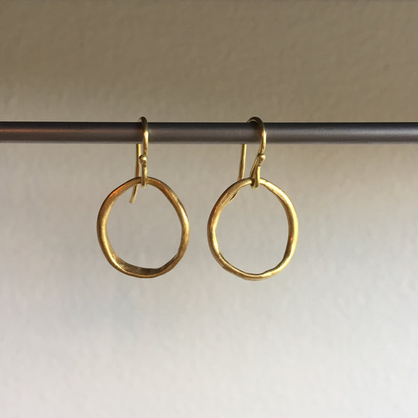 Rosanne Pugliese 22k Thick and Thin Hoop Earring