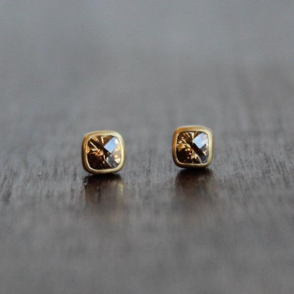 Lola Brooks 18k Gold and Champagne Diamond Studs