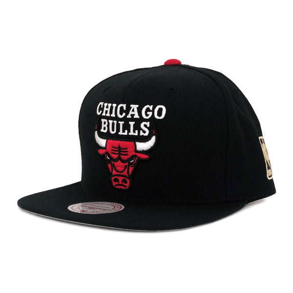 Mitchell & Ness Men's Hats - Bulls Wool Solid Snapback - Black