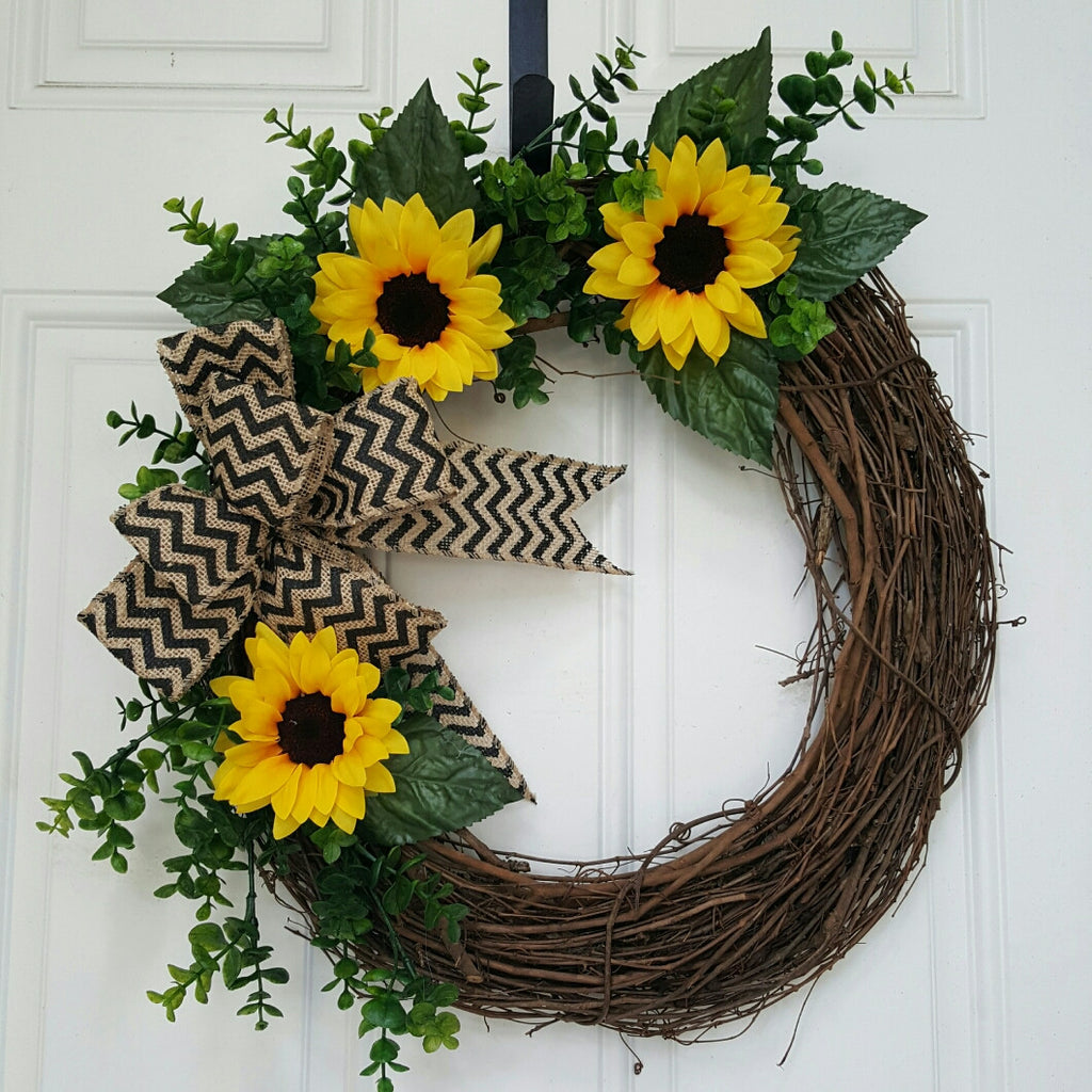 Sunflower Grapevine
