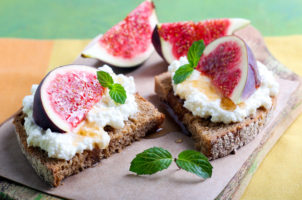fig, ricotta & honey on toast