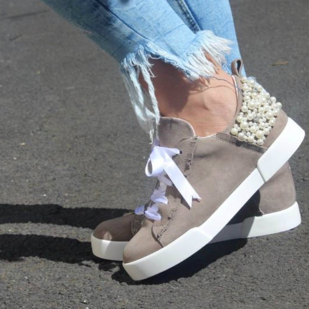 Pearl Suede Sneakers / Natural