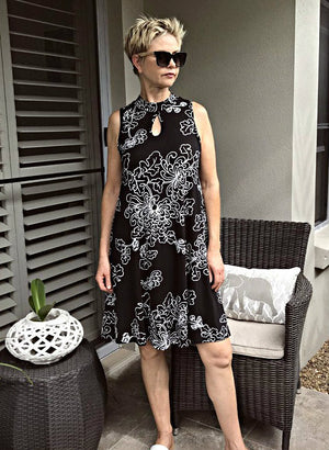 Bamboo Keyhole Dress / BLACK & WHITE NEW FLORAL