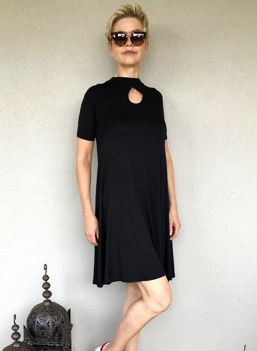 Bamboo Keyhole Dress / BLACK SHORT SLEEVE