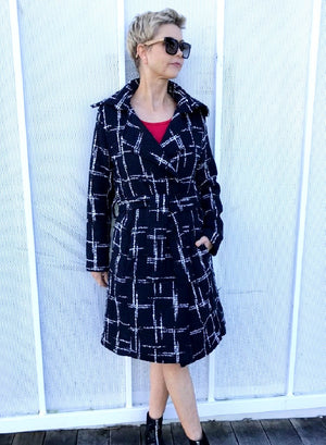Wool Full-Length Coat / BLACK & WHITE with RED SILK LINING