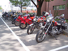 Choosing Where to Park Your Motorcycle