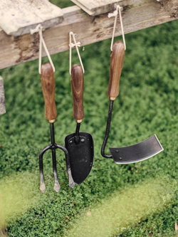 Walnut Garden Tools-Garden Accessories-Sheets on the Line