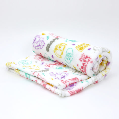 C3055-1  80's Graffiti White Blanket 70 x 120