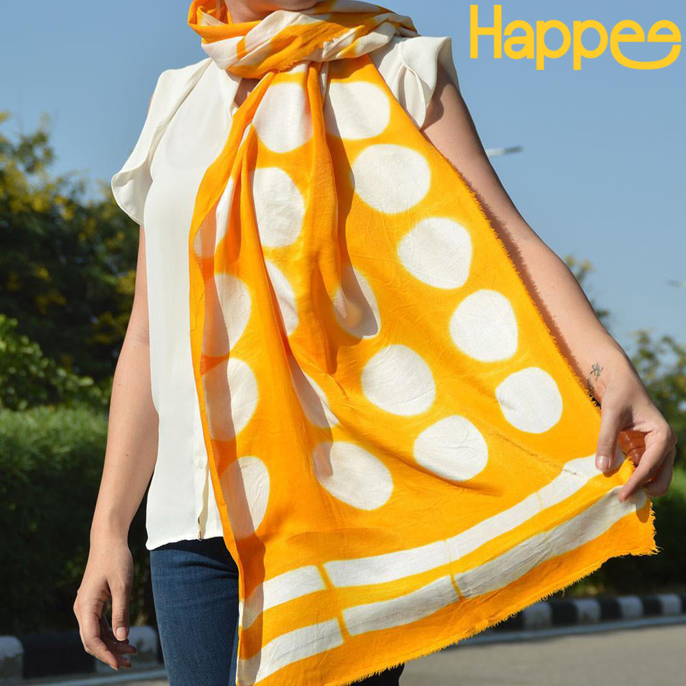 Happee scarf in yellow color with white polka dots