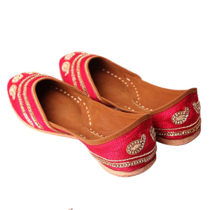 Designer Pink Embroidered Jutti Indian Shoes online