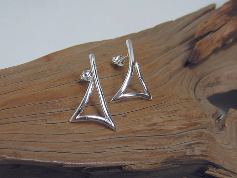 Open triangle design which measures 25mm long. All sterling silver. 925 Canterbury