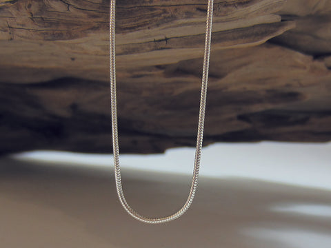 A great quality, sterling silver Italian snake chain that is really versatile and looks great with lots of different pendants. It is  0.9mm in diameter.