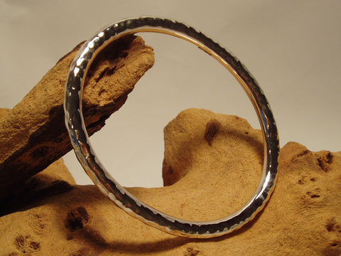 sterling silver hammered round-section oval bangle 925 canterbury