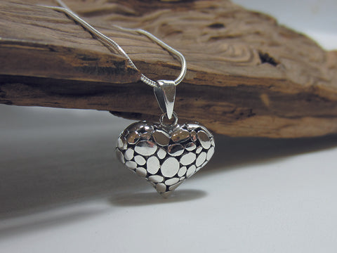 pebble heart pendant