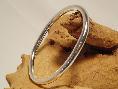 oval round section bangle