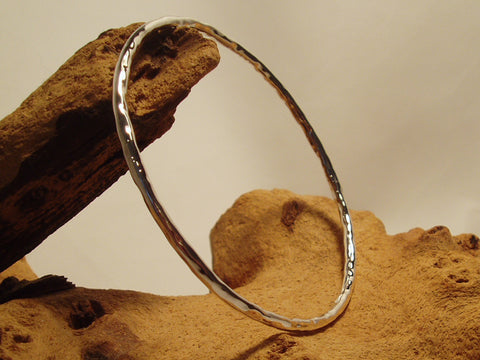 round hammered bangle