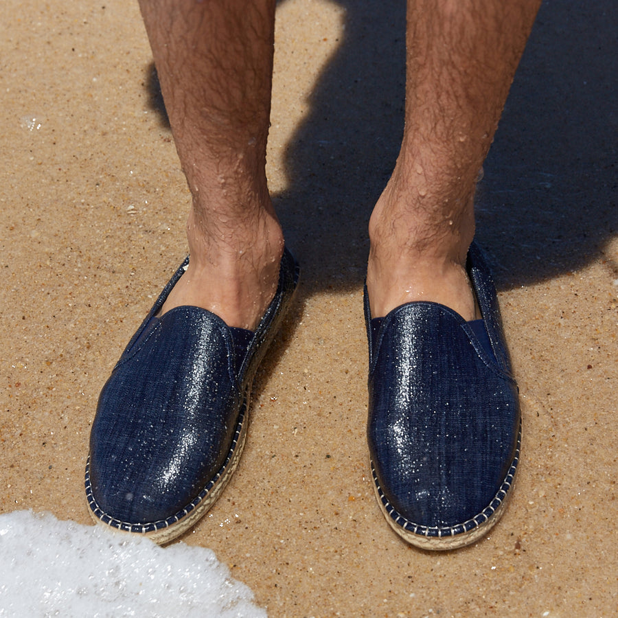 DARK DENIM <p> MENS MARINER SLIP-ON