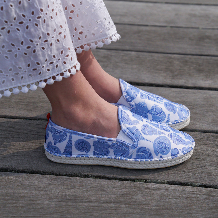 Mariner Slip-On: Kids LuluDK Caribbean Blue Shell Print with White Sole