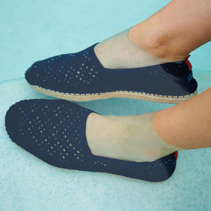 DARK NAVY EYELET <p> WOMENS BEACHCOMBER ESPADRILLE
