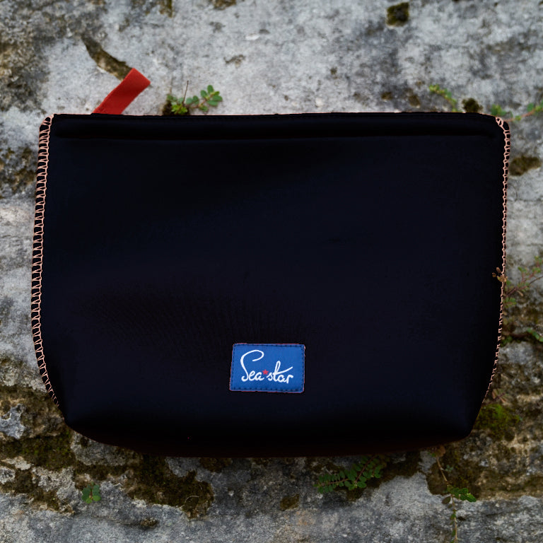 Large Voyager Pouch: Black