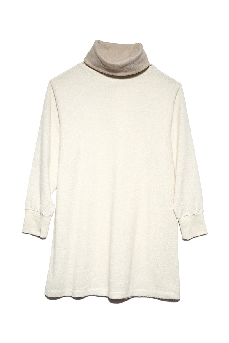 Rib Turtle Neck in White