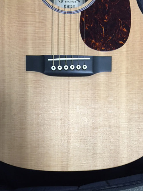 How to inspect a stringed instrument for humidity damage and how to help avoid it
