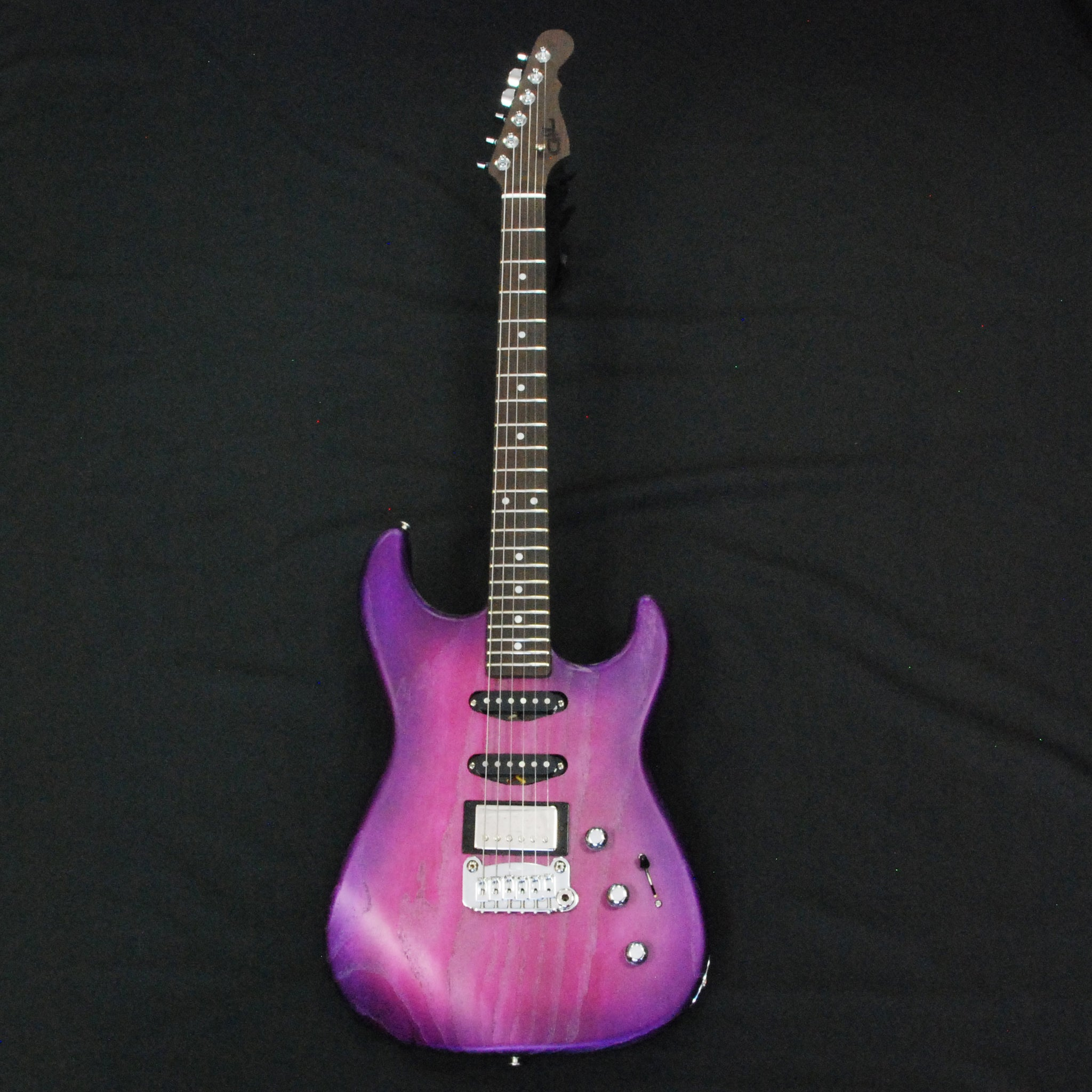 Shop online for G&L Custom Shop Legacy HSS RMC Magenta Ice CS1905005 today. Now available for purchase from Midlothian Music of Orland Park, Illinois, USA