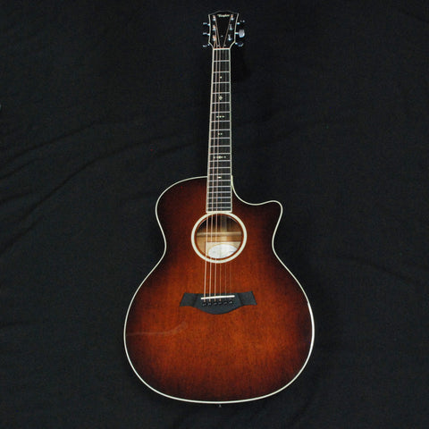Shop online for Taylor 524ce Grand Auditorium Cutaway Acoustic/Electric Guitar Mahogany White Binding today.  Now available for purchase from Midlothian Music of Orland Park, Illinois, USA