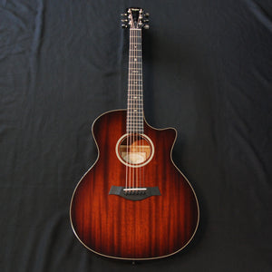 Shop online for Taylor 524ce Grand Auditorium Cutaway Acoustic/Electric Guitar Mahogany Ebony Binding today.  Now available for purchase from Midlothian Music of Orland Park, Illinois, USA