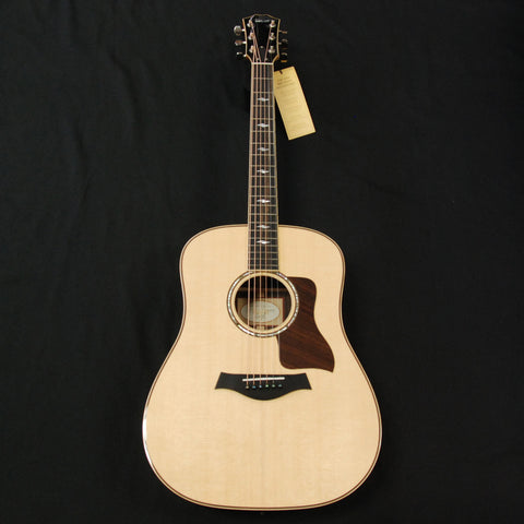 Taylor 810e, ES2 Deluxe Dreadnought Acoustic/Electric Guitar [A801000011000077000]