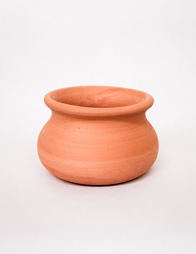 terracotta 39 olla 39 pot shop clay planters and pottery. Black Bedroom Furniture Sets. Home Design Ideas